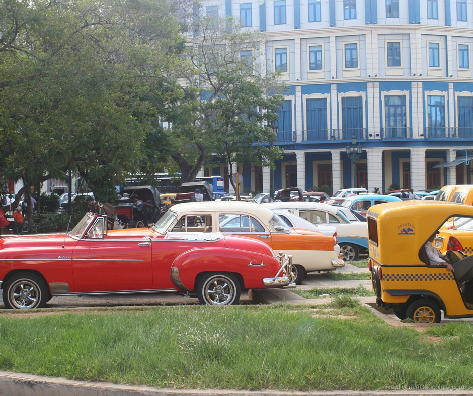 why are there old cars in cuba